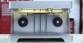 3D Mark One : la première imprimante capable d'imprimer de la fibre de carbone