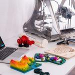 """imprimante """"D avec objets en 3D imprimés"""